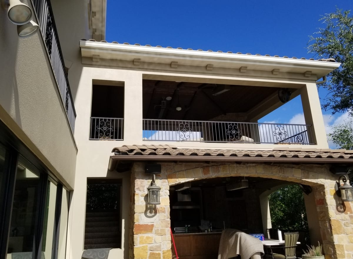 stucco house porch wide view