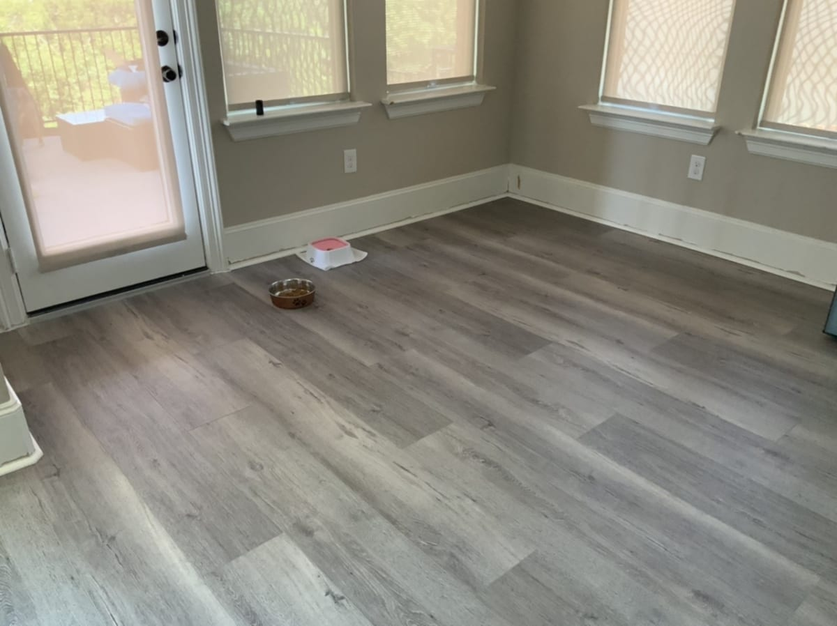 painted baseboards in living room